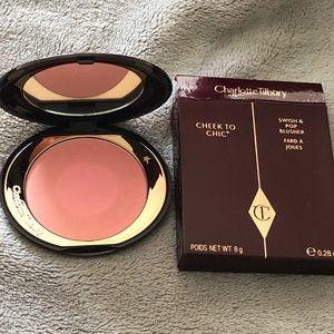 Charlotte Tilbury Cheek to Chic Blush Love Glow